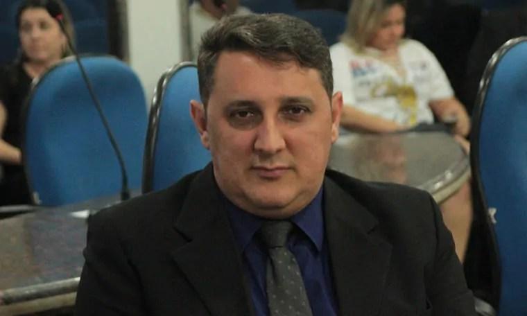 Júnior Cavalcante solicitou redutor de velocidade no bairro areal