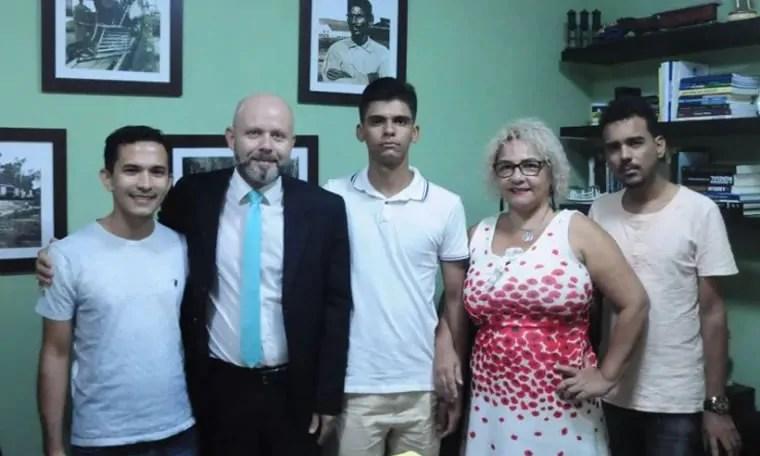 SEGURANÇA: Universitários procuram Professor Aleks Palitot