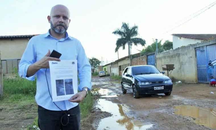 SEM FÉRIAS – Aleks Palitot verifica demandas de zonas periféricas