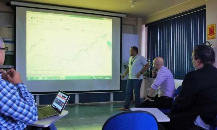 Aleks Palitot se reúne com IBGE para tratar de criação de distritos
