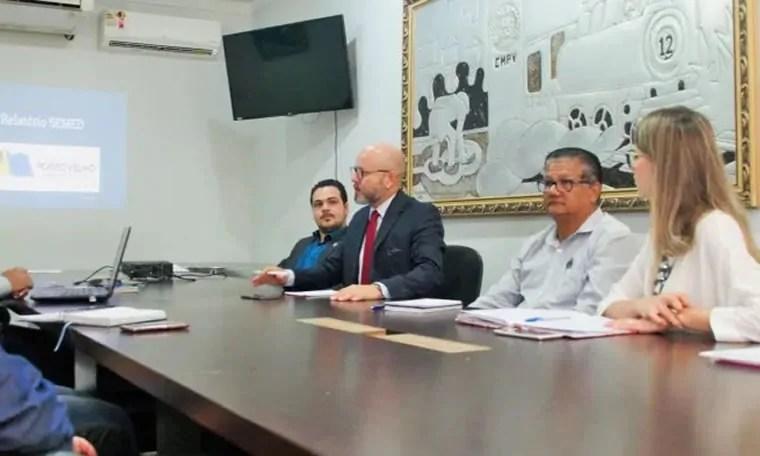 ESCOLA DE MÚSICA: Aleks Palitot cobra apoio para Jorge Andrade