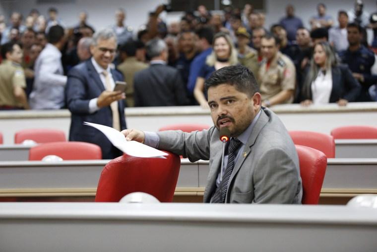 Jesuíno Boabaid requer cópias de mensagens do Poder Executivo