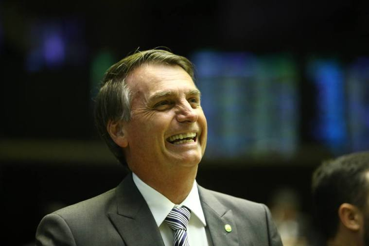 Após negativa de PR e PRP, Bolsonaro diz que o 'seu partido é o povo'