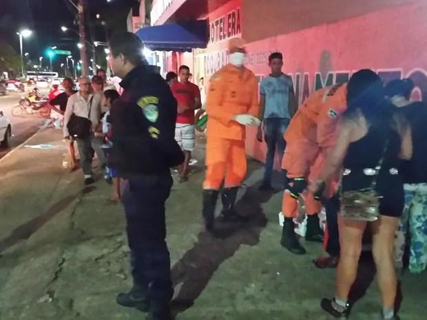 EMBRIAGADO – Policial militar é socorrido em estado grave após cair de telhado
