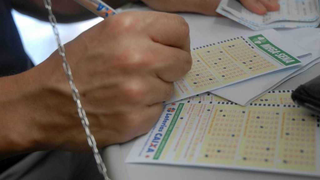 Mega-Sena pode pagar hoje R$ 21 milhões no prêmio principal