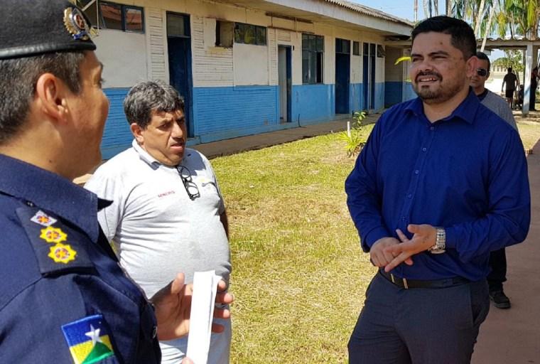 Deputado Jesuíno Boabaid acompanha andamento de obras na diretoria de ensino da PM