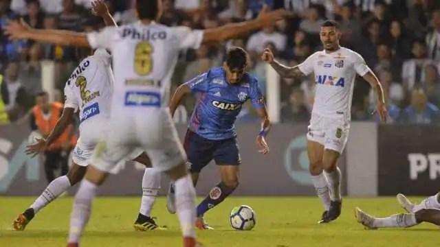 Flamengo cede empate ao Santos e pode perder liderança do Brasileiro