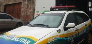 LAMENTÁVEL – Mulher é espancada por filho dentro de casa na capital