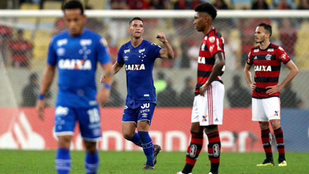 Com vantagem, Cruzeiro recebe Flamengo pelas oitavas da Libertadores