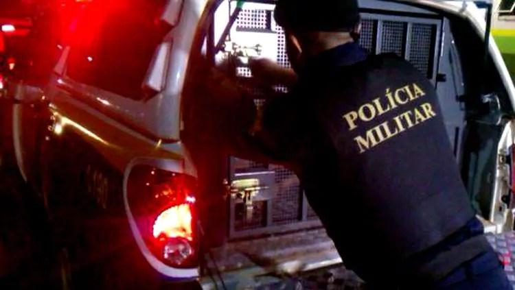 Polícia persegue e prende suspeitos armados após execução de jovem na capital; Veja Fotos