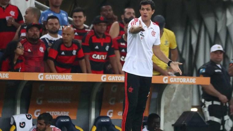 Após queda na Copa do Brasil, Flamengo demite Maurício Barbieri