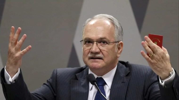 Fachin nega pedido de Lula para afastar impedimento à candidatura