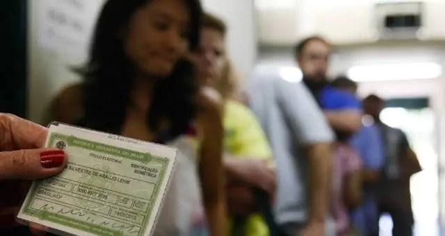 Eleitor que não votou no primeiro turno deve ir às urnas no domingo