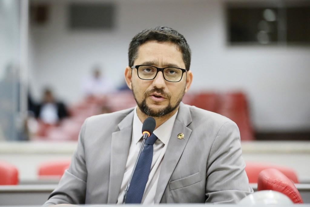 Deputados aprovam projeto de lei que cria o Dia do Capoeirista em Rondônia