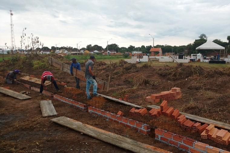 Recurso assegurado por Luizinho Goebel garante construção de muro do cemitério em Pimenteiras
