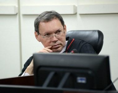 Liminar proíbe demissão de empregado da Ceron que tenta a União