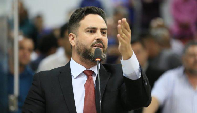 """ATUAÇÃO – Recém chegado, Léo Moraes quer acabar com """"herança"""" de imóveis funcionais"""