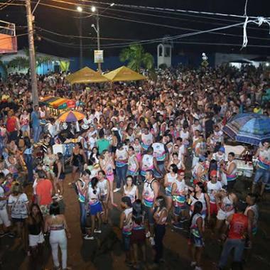 MACHINHAS – Carnaval da Confraria tenta resgatar antigos carnavais de bairro