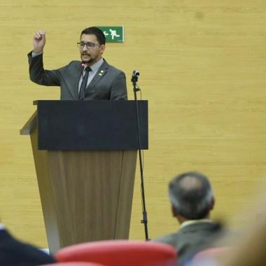 Anderson Pereira convoca secretários para explicações sobre acordo de realinhamento salarial dos agentes penitenciários
