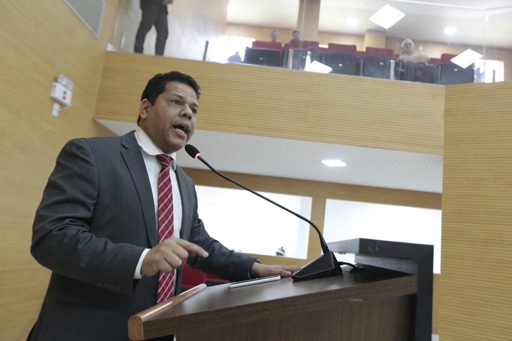 Jair Montes pede exoneração dos diretores de autarquias e fundações do Estado