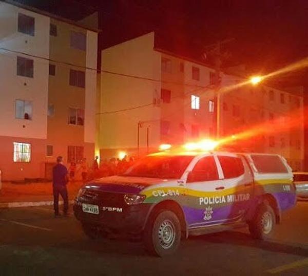 VIOLÊNCIA – Criminosos invadem apartamento e executam morador