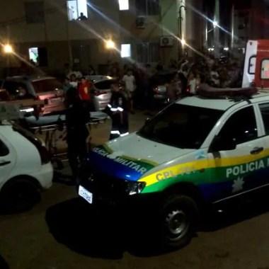 Em assalto, criminosos invadem residencial e atiram em moradores
