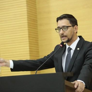 Deputado Anderson sai em defesa de servidores penitenciários de São Francisco do Guaporé