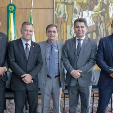 Deputado Chiquinho da Emater (PSB) participa do Lançamento da Frente Parlamentar em Defesa da Regularização Fundiária