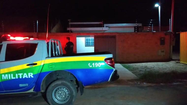 CACHAÇA – Mulher tenta agredir agente penitenciário,esposa, bebê e simula agressão de PMs