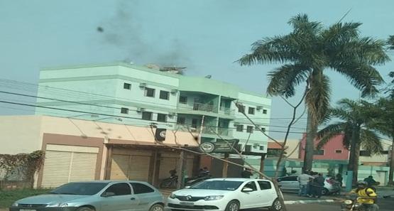 Princípio de incêndio atinge prédio na capital