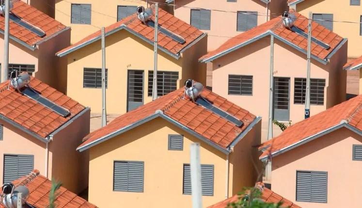 "Publicada lei que dispensa ""habite-se"" para famílias de baixa renda"