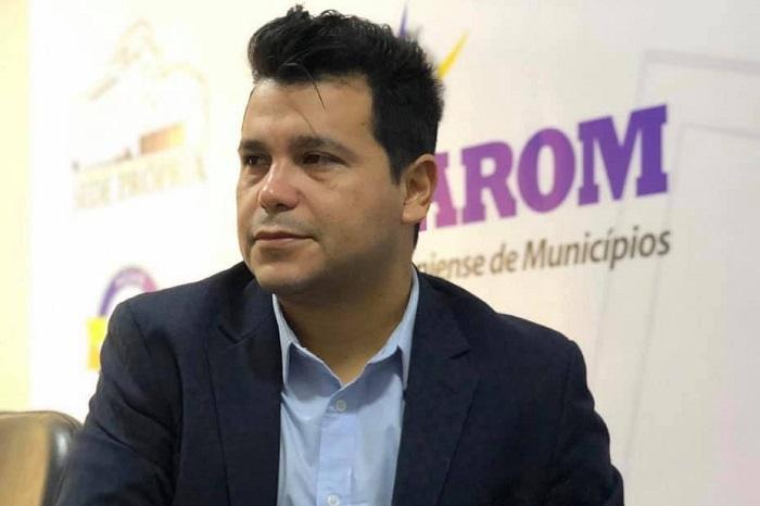 Deputado Marcelo Cruz participa de reunião na Associação Rondoniense dos Municípios (AROM)
