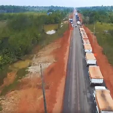 Vídeo do Dnit mostra BR-319, que liga Porto Velho a Manaus, sendo reasfaltada