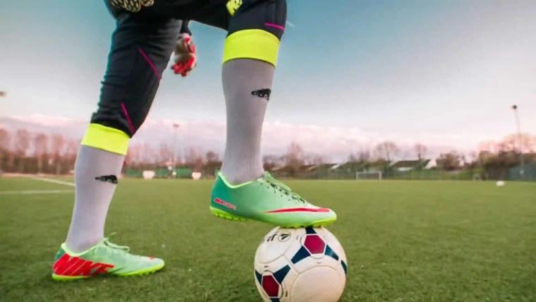 Partida na Itália é paralisada por racismo contra jogador brasileiro
