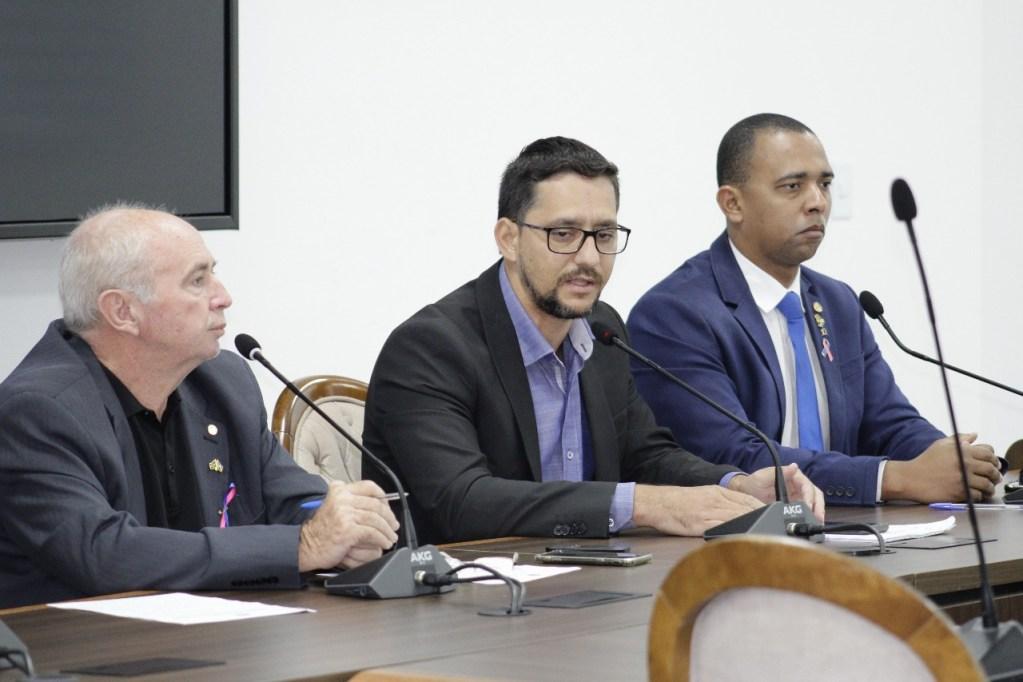 COMBATE AOS ATAQUES – Deputado Anderson Pereira quer suspensão de visitas em unidades prisionais do Estado