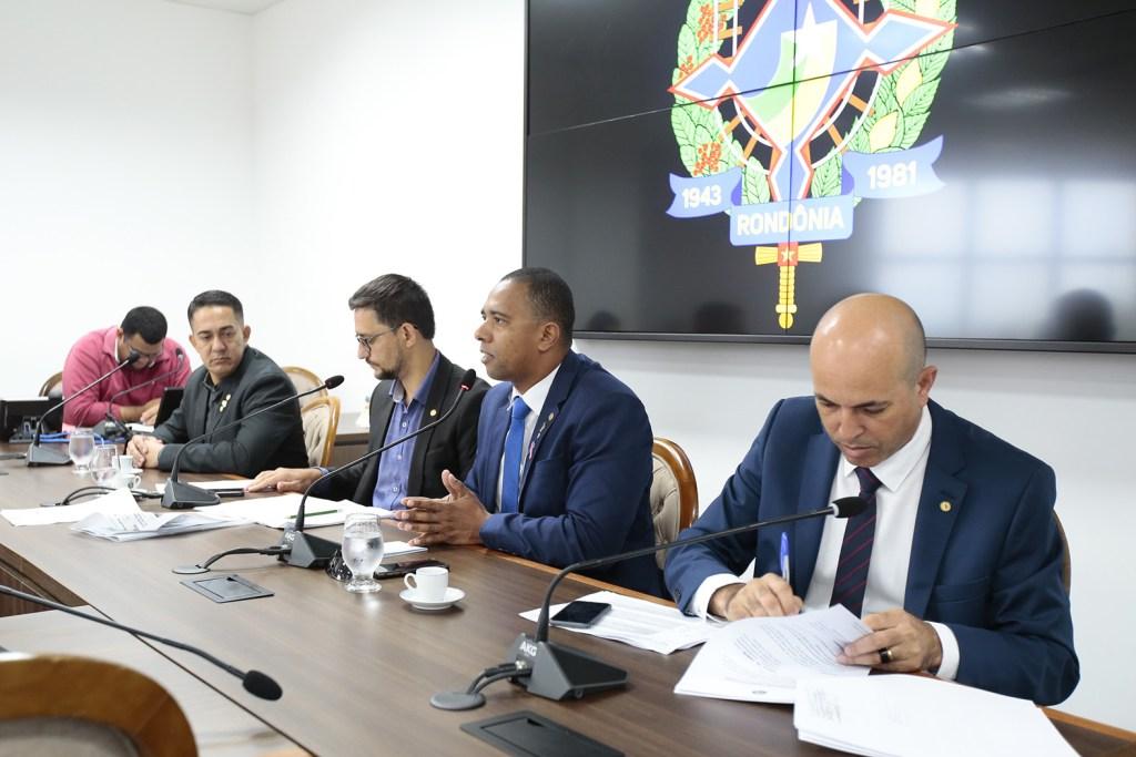 Deputados querem medidas duras contra ações do crime organizado, comandadas de dentro dos presídios