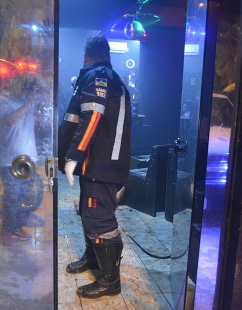 Tiroteio em tabacaria deixa dois mortos na frente do MP-RO, em Ariquemes