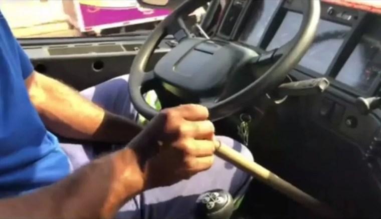 USAVA UM CANO – Motorista sem uma das pernas é preso suspeito de dirigir bêbado e sem CNH