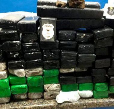 Polícia Civil e PM prendem traficante com 83 quilos de maconha em Cacoal