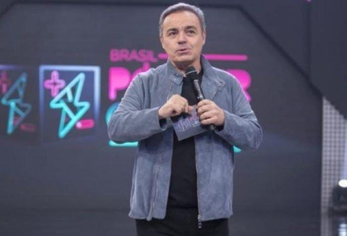 URGENTE – Jornal confirma morte de Gugu Liberato após apresentador cair de telhado e bater cabeça em móvel