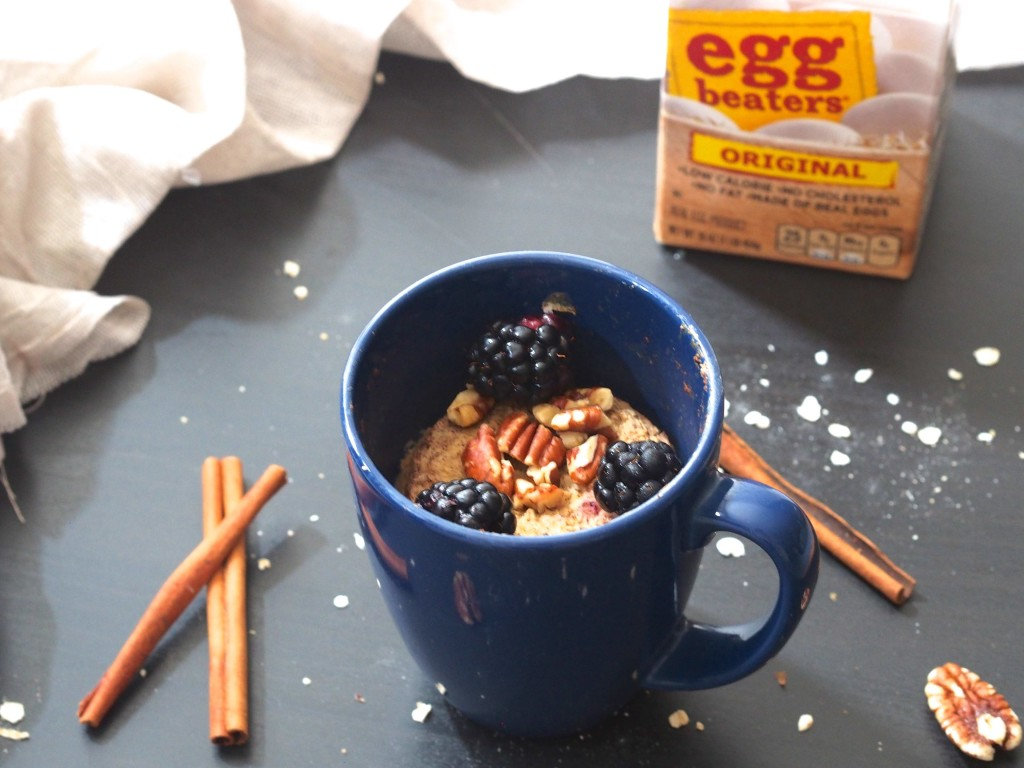 Cinnamon Roll Oatmeal Soufflé in a Mug