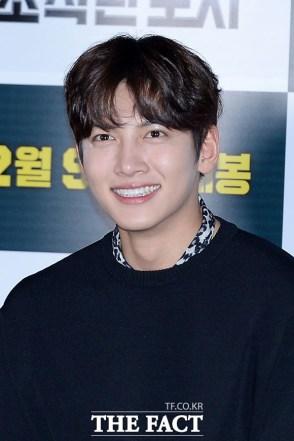 [더팩트ㅣ남용희 기자] 배우 지창욱이 31일 오후 서울 성동구 왕십리 CGV에서 열린 영화 '조작된 도시' 언론시사회에 참석해 미소를 짓고 있다.