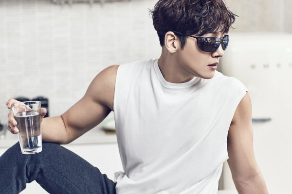 CF Ji Chang Wook looks arresting for POLICE eyewear  Ji