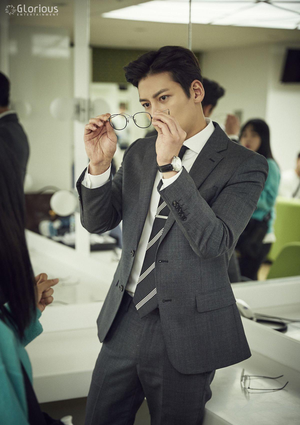 Drama Even more behindscenes photos of Ji Chang Wook in