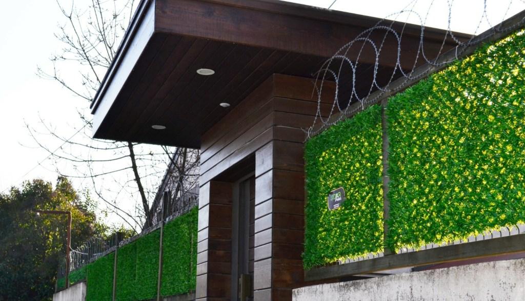 grass fence panels