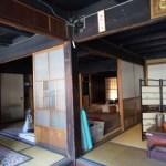 実家の売却で、家具も不用品も全部ひきとってもらいました。