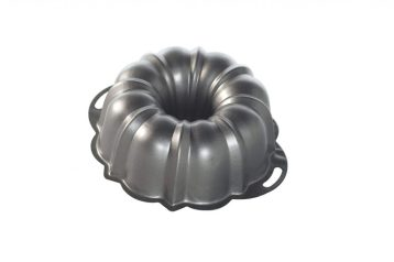 """""""Nordic Bundt Pan with handles, round baking pan with hole in middle"""