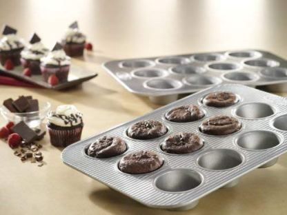 Aluminized steel muffin pan vs popover pan