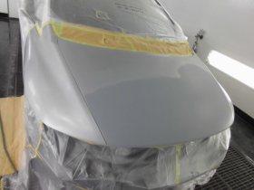 ホンダオデッセイ 飛び石の塗装修理