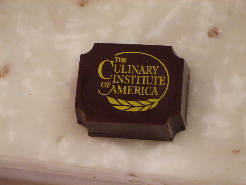 logo chocolate